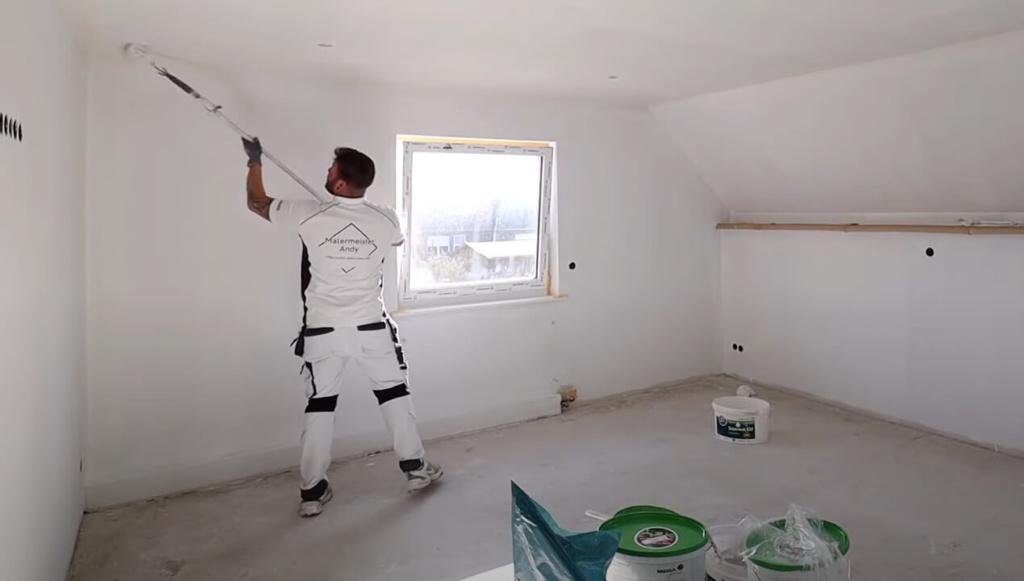 Wände weiß streichen