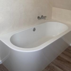gespachteltes Bad